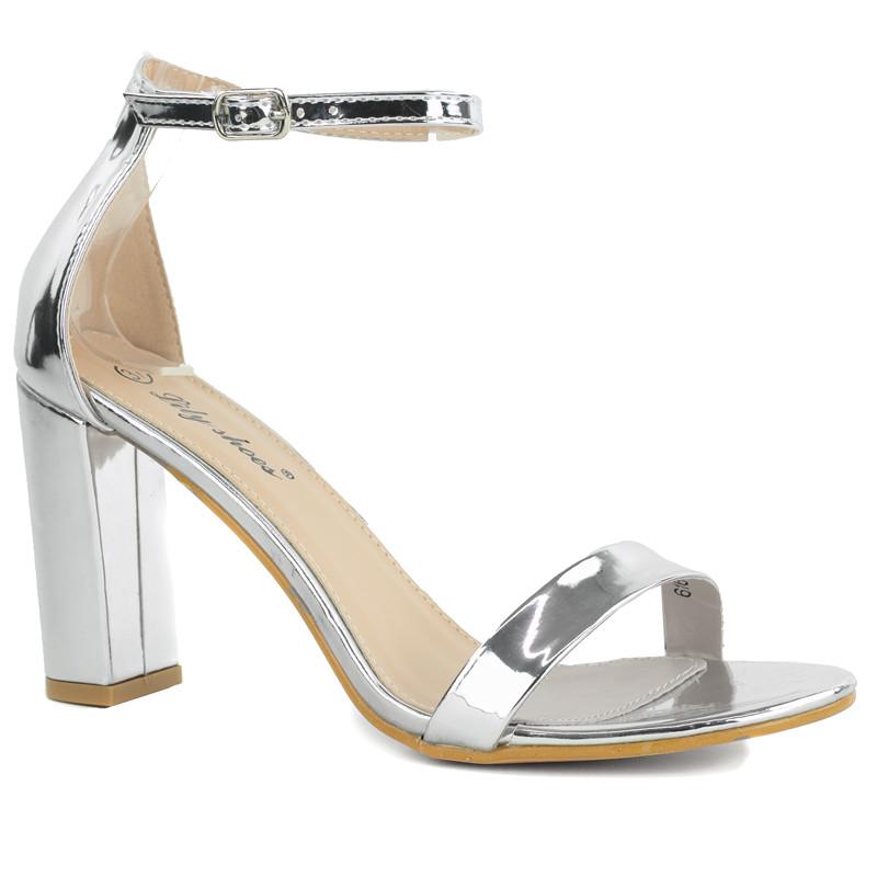 lustrzane sandały słupku