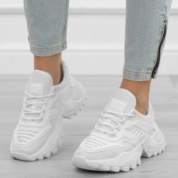 Białe adidasy sportowe...