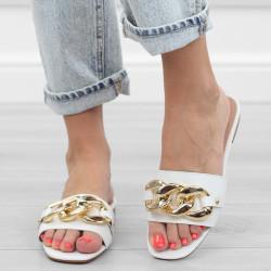 Białe klapki łańcuch sandały