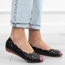 Czarne sandały ażurowe...